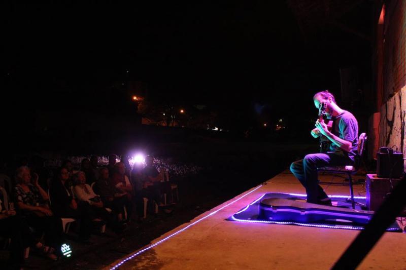 Jhey Rodrigues:Violonista Anderson Chizzolini apresentou seu show Mar Menino na 5ª edição do SNL