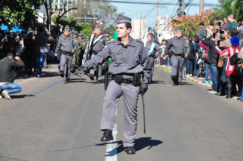 José Reis - Desfile cívico ocorreu na Avenida José Soares Marcondes, em frente a 9 de Julho