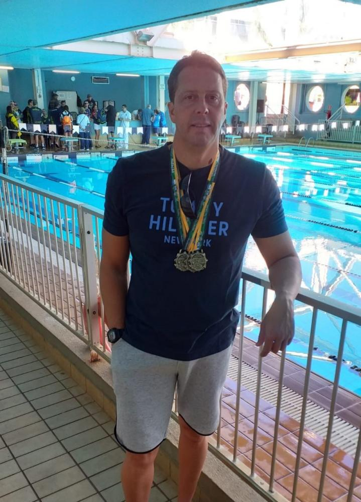 Cedida - Nadador ganhou três medalhas de prata no último sábado