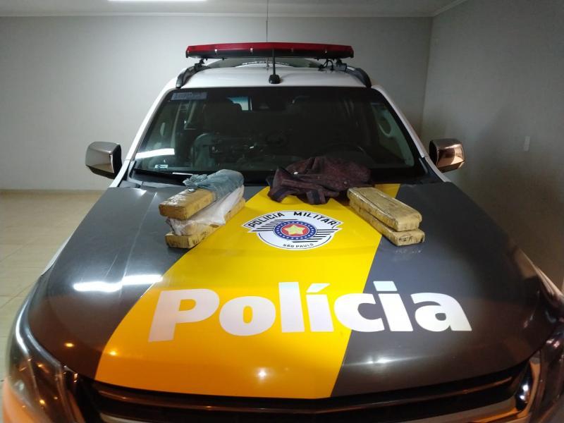 Polícia Militar Rodoviária:Passageiro assumiu a propriedade da droga e está à disposição da Justiça