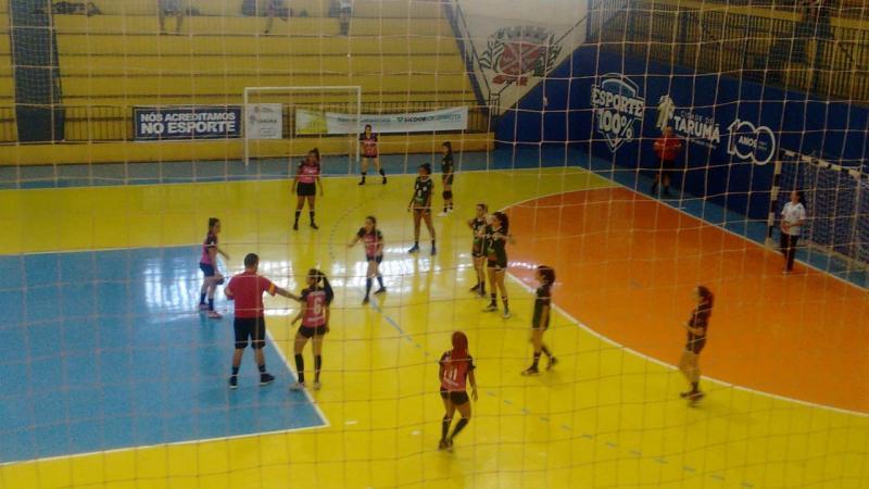 Cedida/Mauro Aoqui - Meninas de Prudente entraram em quadra contra Ourinhos e venceram por 28 a 12