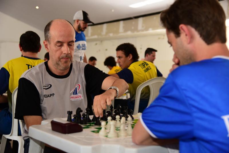 Paulo Miguel - Paulo Costa é um dos enxadristas que representam Prudente
