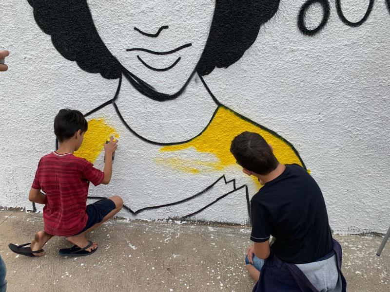 Foto: Cedida - Alunos esboçaram o desenho que será concluído no sábado