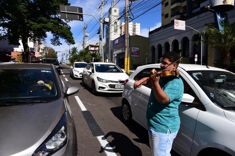 Paulo Miguel:João ganhou violino de sua avó aos 10 anos de idade e é o seu instrumento inseparável