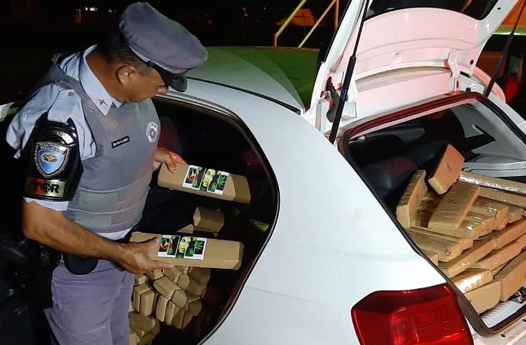 Polícia Militar Rodoviária:Drogas estavam dentro de um dos veículos apreendidos