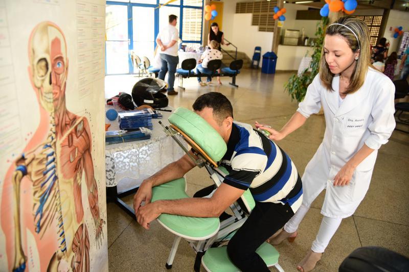 Paulo Miguel -  Diversas ações especiais foram preparadas aos trabalhadores, como massagem facial