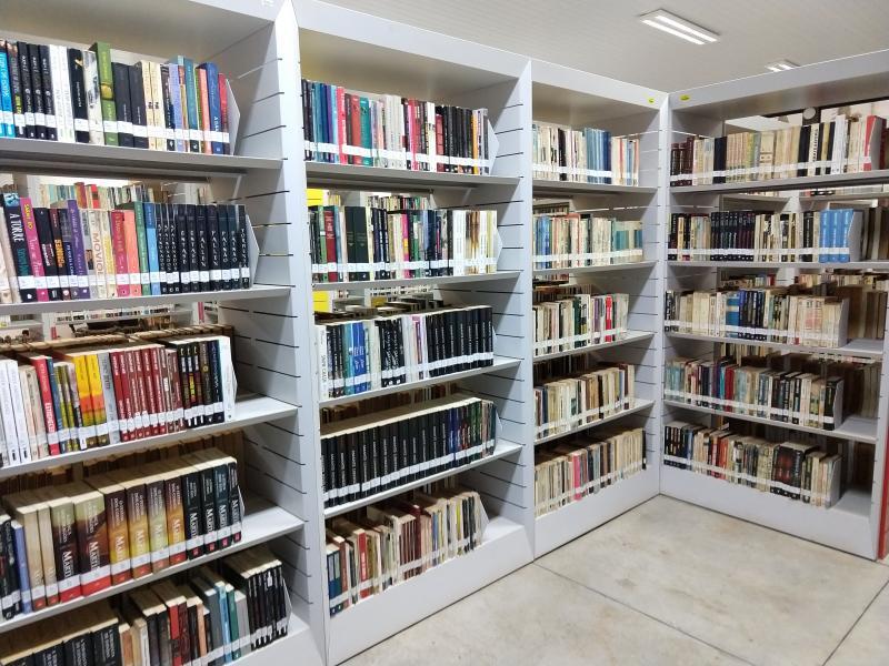 Pedro Silva - Biblioteca municipal de PP conta com mais 80 mil livros disponíveis para o público