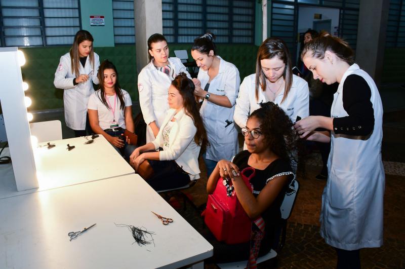 Gabriela Oliveira/Unoeste - Estética e Cosmética desenvolveu ação de doação de cabelos para o Hospital do Câncer