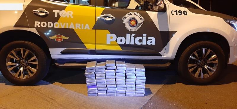Polícia Militar Rodoviária - Apreensão ocorreu durante uma fiscalização da Polícia Militar Rodoviária; suspeitos confessaram prática