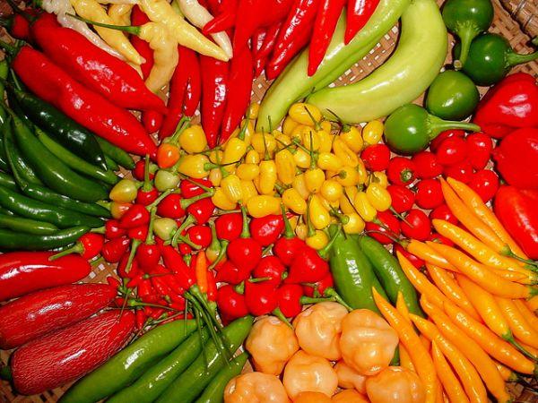 Hoje, existe uma variedade de pimentas, que temperam pratos de cozinhas tão distintas quanto à baiana e a árabe