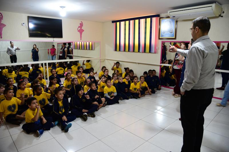 Paulo Miguel - Alunos e o instrutor se cumprimentaram em Libras, demonstrando inclusão e respeito