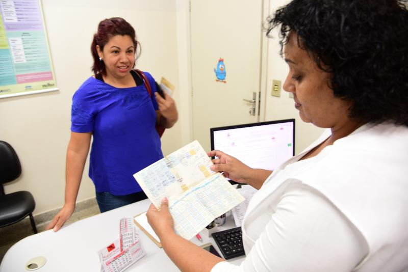 Paulo Miguel - Lucimara pontua que a maior procura pelas vacinas é de adultos com a carteirinha desatualizada