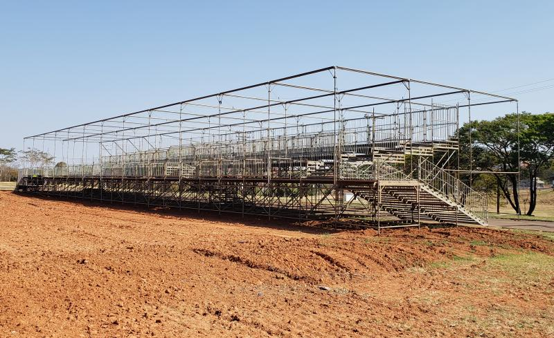 AI da Expo Prudente - Na manhã de ontem, estrutura do camarote no recinto já estava praticamente pronta