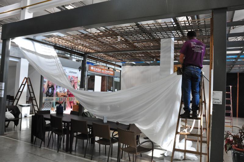José Reis - Ontem, expositores seguiam a todo vapor organizando seus espaços na feira