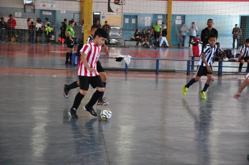 José Reis - Dez partidas marcaram ontem a estreia do campeonato, realizado pela LZB Esportes