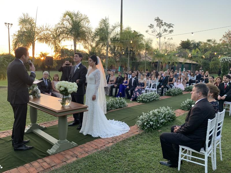 Adriano Bonazio celebrou o casamento no Espaço Seribeli