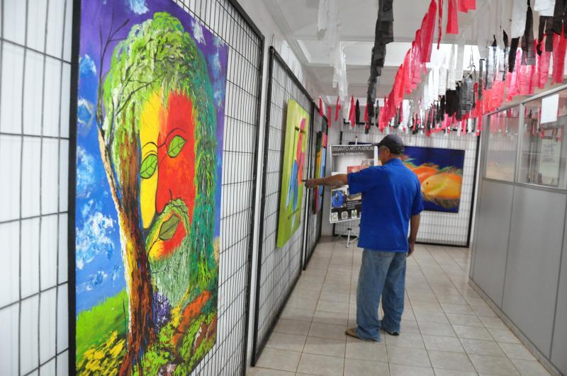 José Reis - No total, 8 trabalhos do artista estão expostos na Galeria Cristal de Talentos da Apea