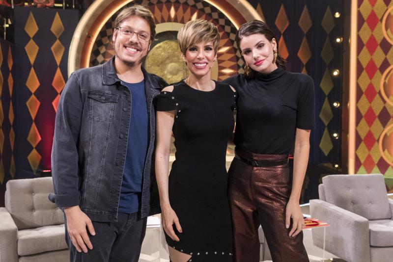 """Victor Pollak/ TV Globo - Trio participa do quadro """"Gonga la Gonga"""", no """"Caldeirão do Huck"""" deste sábado."""