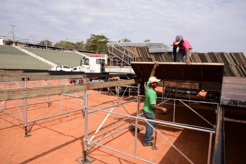 """Paulo Miguel - Organização diz que montagem da estrutura da festa já está em fase final e """"bem adiantada"""""""
