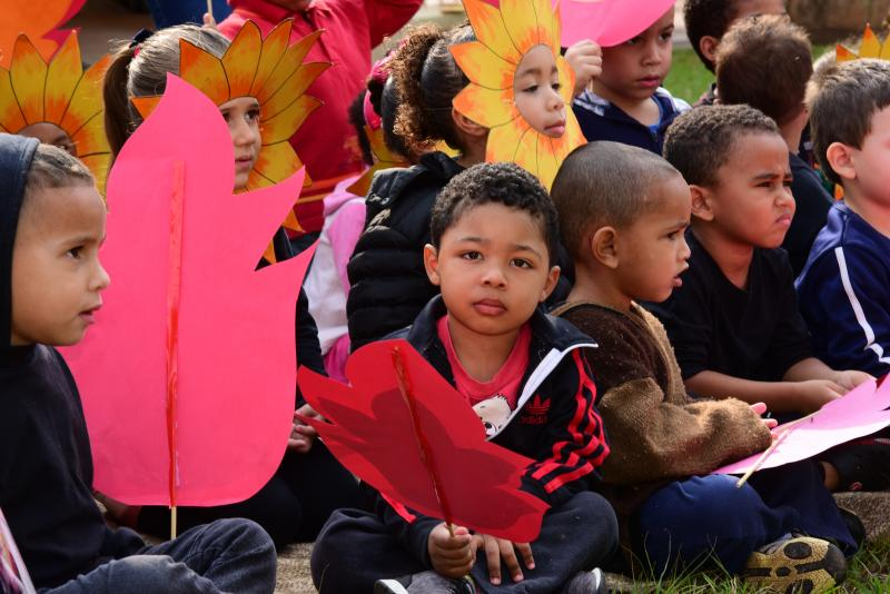 Crianças aprenderam sobre meio ambiente durante visita do especialista