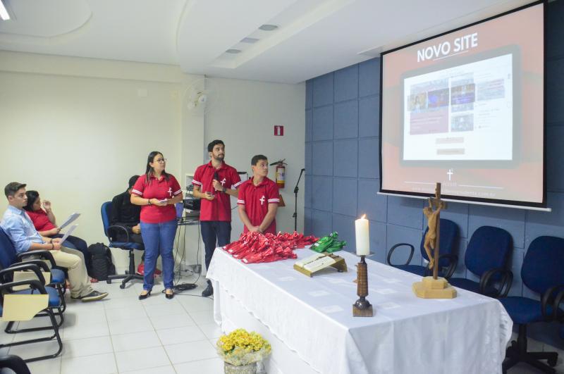 Na apresentação do Trabalho de Conclusão de Curso pela Facopp, Evandro Marques, Luana Mariano e Rodrigo Moraes reformularam o site diocesano