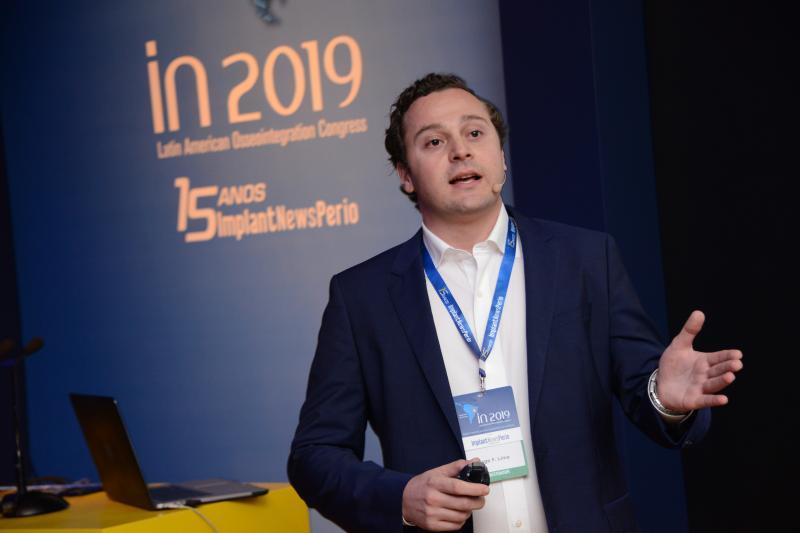 Thiago Freire Lima, no maior congresso de Implantodontia da América Latina, no Anhembi, Latin America Osseointegration Congress 2019