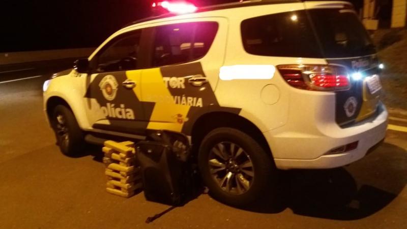 Polícia Militar Rodoviária - Droga estava dentro de veículo abordado na rodovia