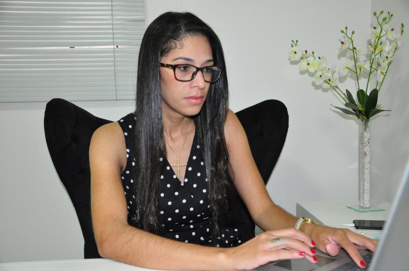 Arquivo:Psicóloga Cleide Santana alerta sobre uso excessivo das redes sociais
