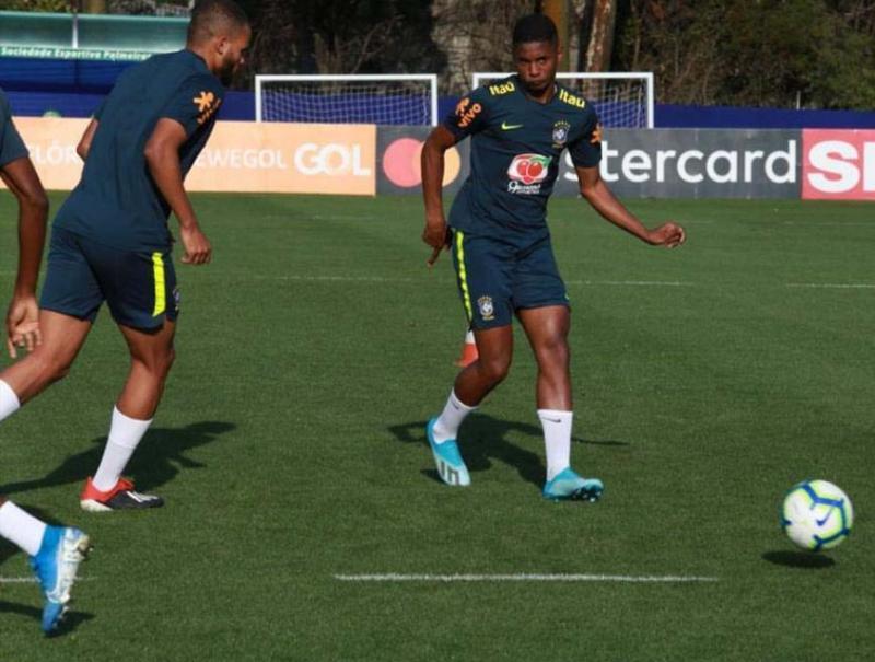 Reprodução/CBF - Antes da partida, realizada anteontem, atleta ficou concentrado e treinou no CT do Palmeiras, na capital paulista