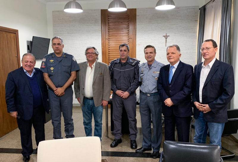 Ismael Silva, Cel. Marcus Vinícius, Dr. Cesar Lima, Cel. Alencar, Cel. Franco Nassaro e deputado Mauro Bragato, durante encontro em SP