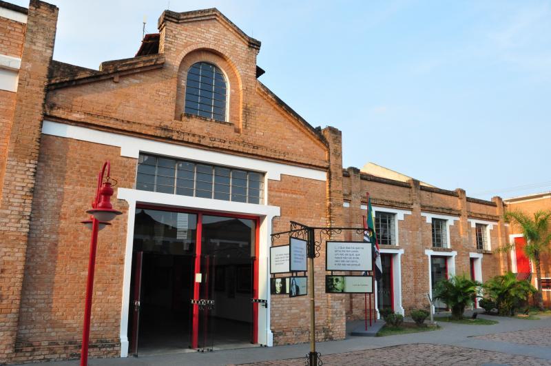 José Reis - Instalado na Vila Marcondes, Centro Cultural Matarazzo oferece hoje diferentes atividades e eventos