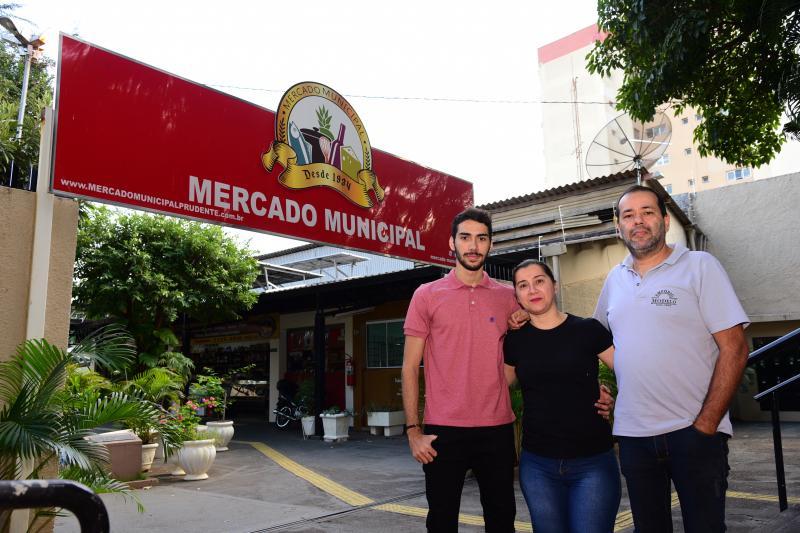 Paulo Miguel:Família Barreto vende secos e molhados no Empório Modelo