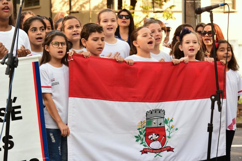 Paulo Miguel:Crianças de escola municipal de Presidente Prudente cantaram em coro o hino prudentino