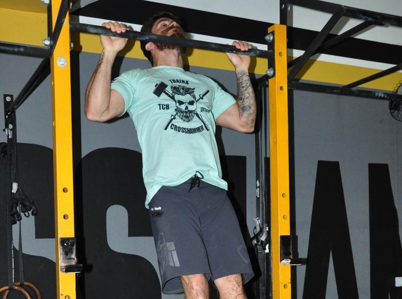 José Reis - Thainã Beraldo Toma é dono de um box da modalidade, o CrossFit - Cross Hammer, onde além de treinar, ensina a prática a outras pessoas