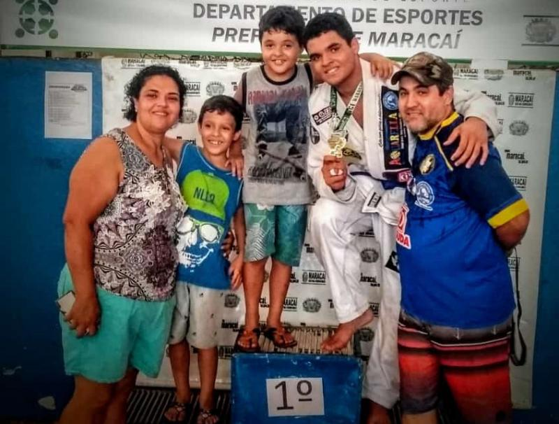 Cedida / Ailton Rodrigues - Família Porto: Celia, Gabriel, Daniel, Lucas e o paizão Ailton