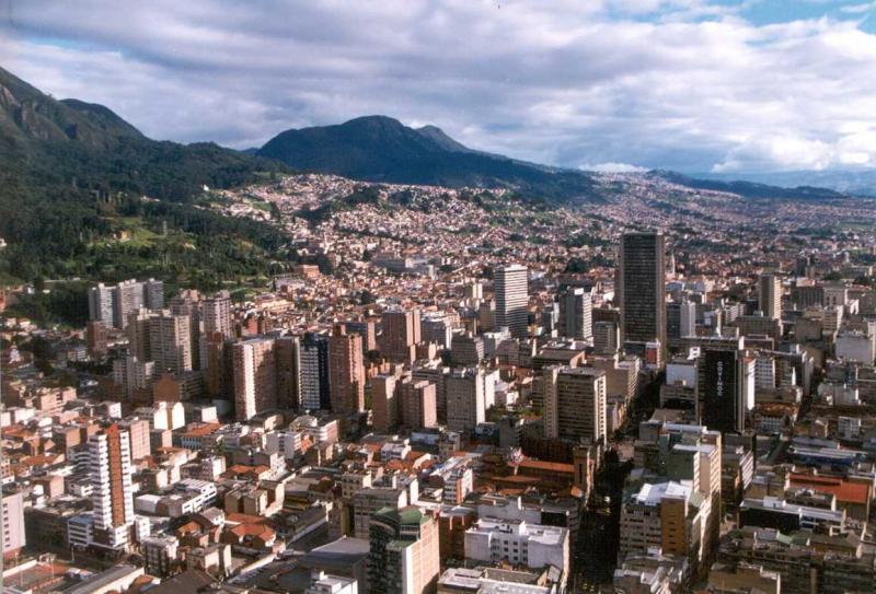 Vista panorâmica da capital colombiana, quarta cidade mais populosa da América do Sul, atrás de São Paulo, Rio e Buenos Aires