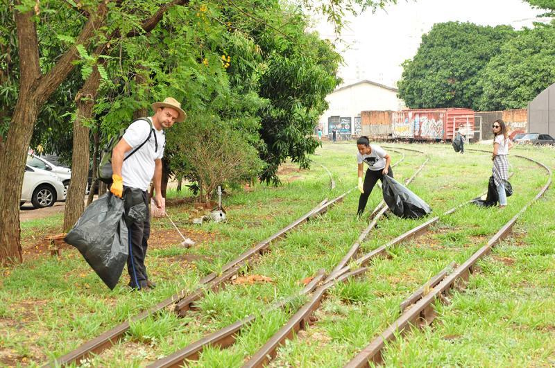 José Reis - Em Prudente, 60 voluntários participaram da ação em alusão ao Dia Mundial da Limpeza