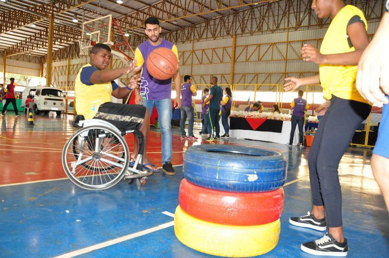 José Reis - Atletismo adaptado, basquete sobre rodas e parabadminton foram as atividades aplicadas