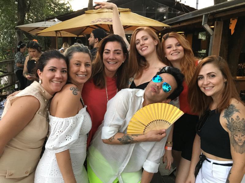 Gente bonita não falta no aniversário do digital influencer Willian Iuri no Bar da Estação