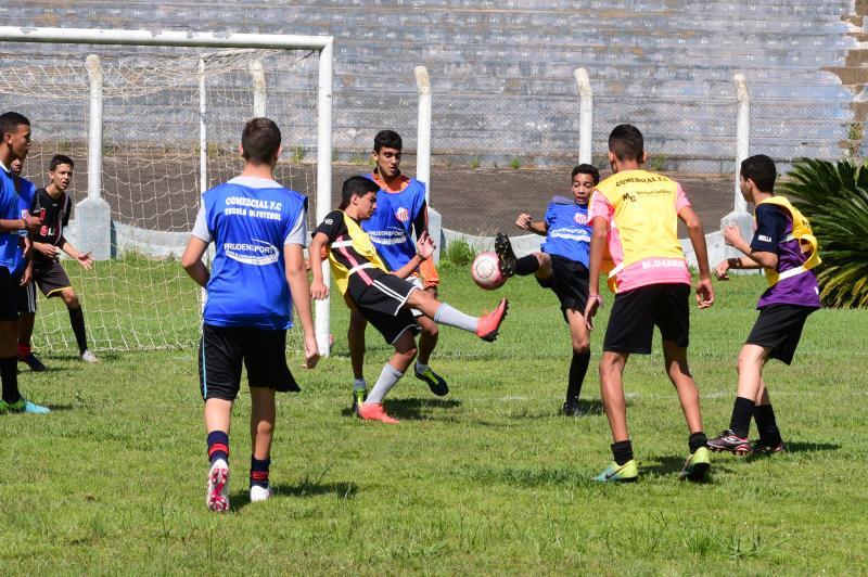 Foto: Paulo Miguel - Somando com a primeira peneira, pelo menos 110 jovens tentaram uma vaga para time