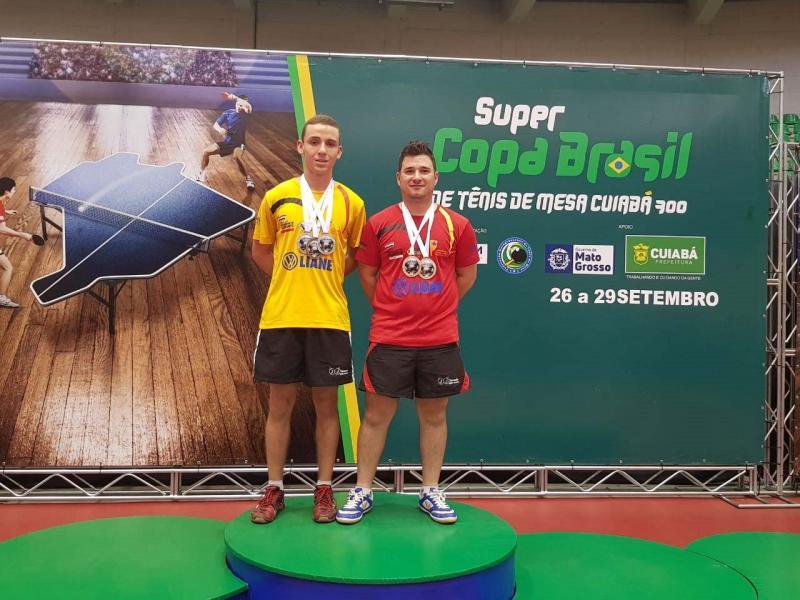 Cedidas/Giba - Guilherme tem mais 3 medalhas para a coleção e Giba 2 de ouro