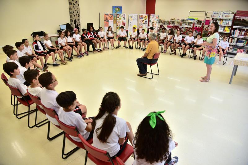 Paulo Miguel:Exposição foi iniciada com uma roda de conversa entre alunos e Nelson do Povo