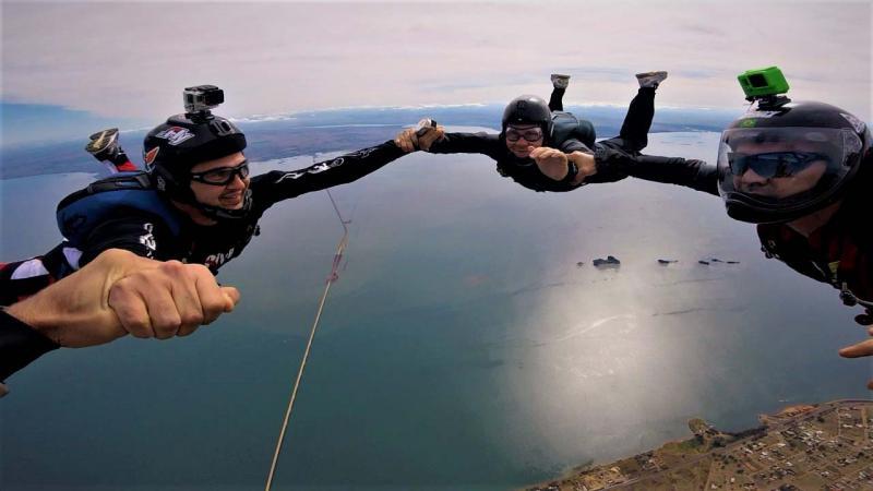 Cedida - Profissionais com mais de 2 mil saltos conduzem a atividade