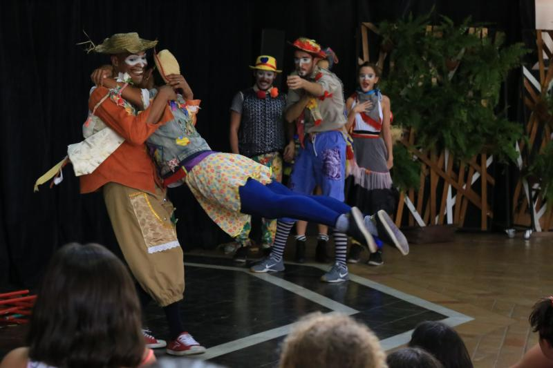 Jean Ramalho:Companhia carioca trouxe um espetáculo interativo com dança, teatro de rua e circo