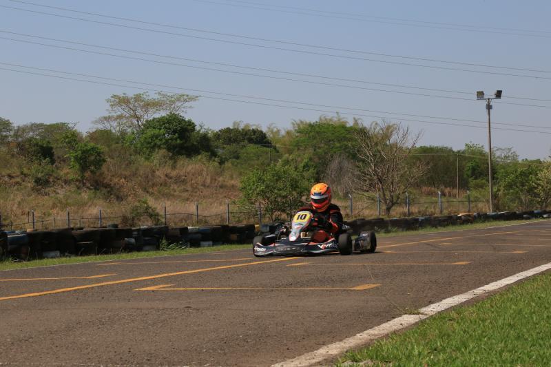 Pedro Silva -  No local, aproximadamente 60 pilotos realizaram treinos livres, para competição final que ocorre neste domingo, às 10h