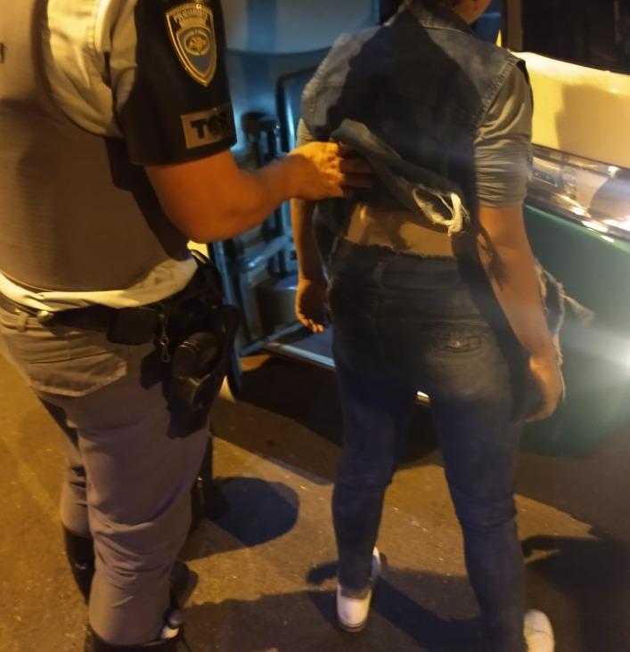 Polícia Militar Rodoviária – Droga estava presa no corpo da passageira