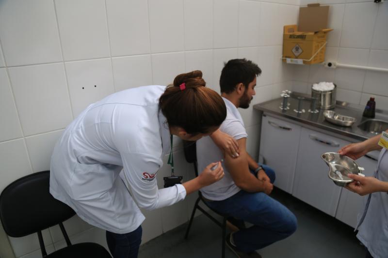 Marco Vinicius Ropelli - Guilherme se imunizou contra o sarampo no Palácio da Saúde