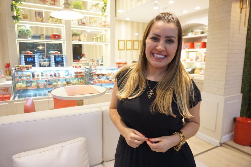 FENÔMENO DA CONFEITARIA BRASILEIRA Mara Cakes, na loja no Parque Shopping, às vésperas de realizar e maior feira de confeitaria do País, primeira edição da Mara Cakes Fair, que aguarda 15 mil pessoas, em São Paulo