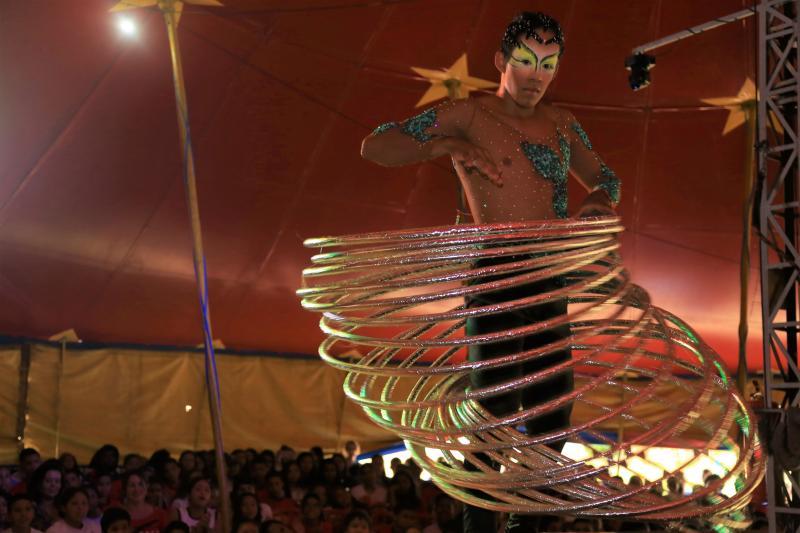 Jean Ramalho:Circo Dione animou aproximadamente 500 pessoas, com palhaços, mágicos, e trapezistas e seguem até 13 de outubro