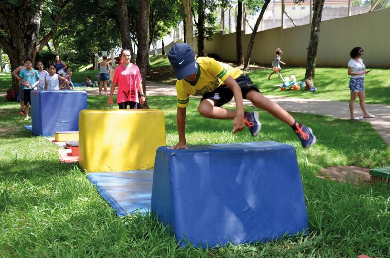 Estevão Salomão:Desca-se na programação do Sesc a oficina de parkour para crianças